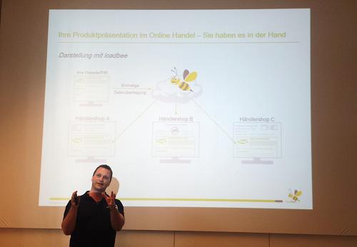 Herr Christian Junker, Geschäftsführer der loadbee GmbH, beim Gastvortrag an der HFT Stuttgart